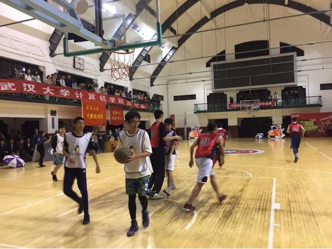 舞龙+啦啦队,武汉大学迎新篮球决赛落幕!